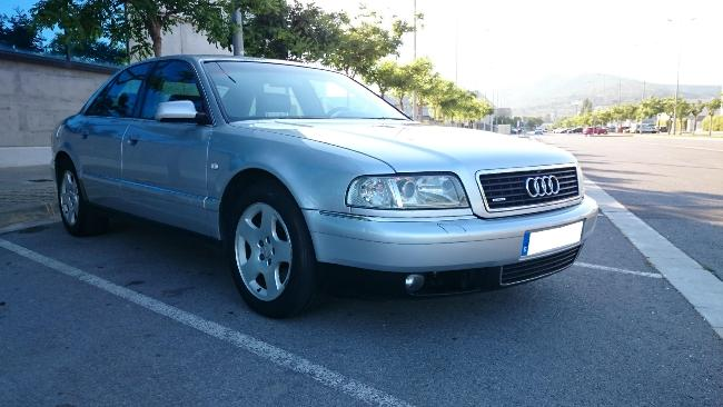 Audi A 8  2.5 TDI  180 cv VEHICULO NACIONAL '01