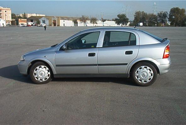 Tengo una pregunta para usted II - Página 5 Opel_Astra_12_g
